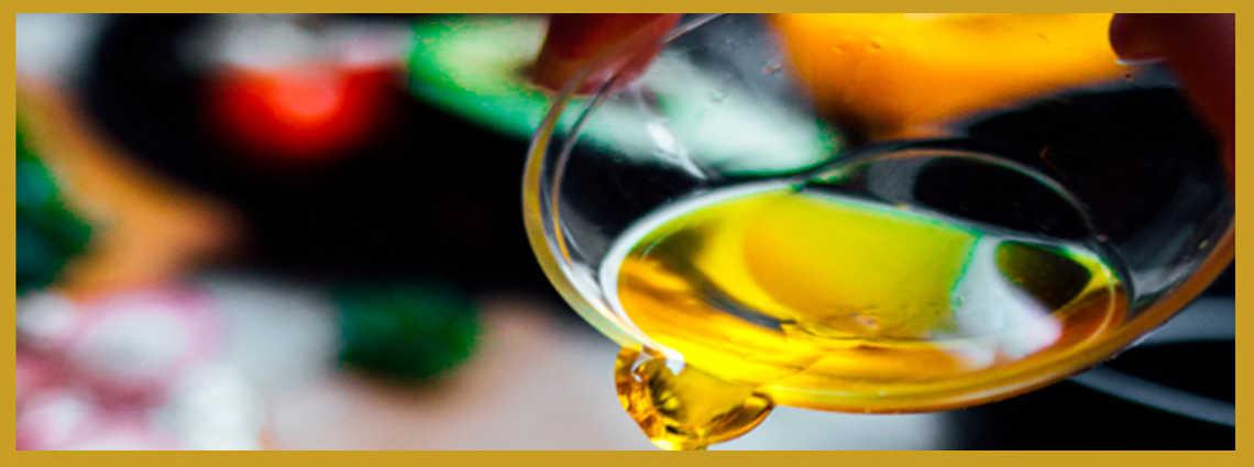 Este oro líquido es uno de los bienes más preciados de la gastronomía española y es en el sur donde se encuentran los mejores tesoros.