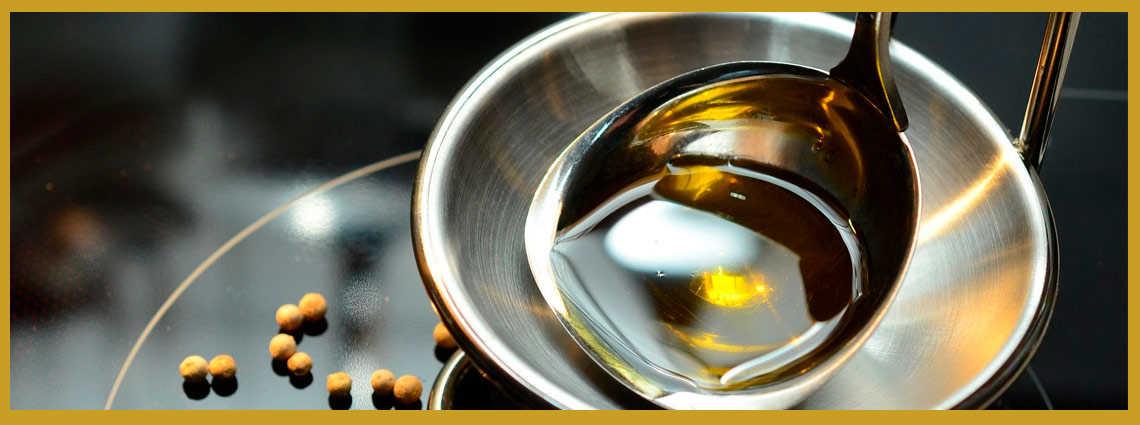 aceite de oliva en un bol